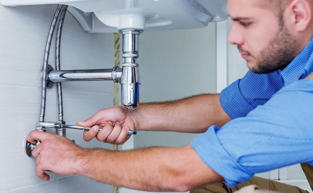 Reasons Why You Need to Use the Services of a Professional Plumber